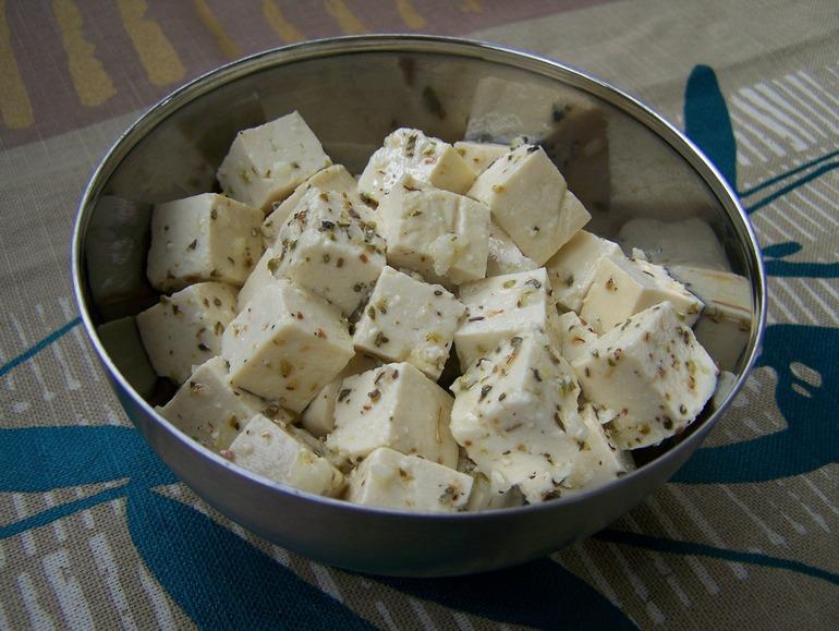Tofu feta vegan