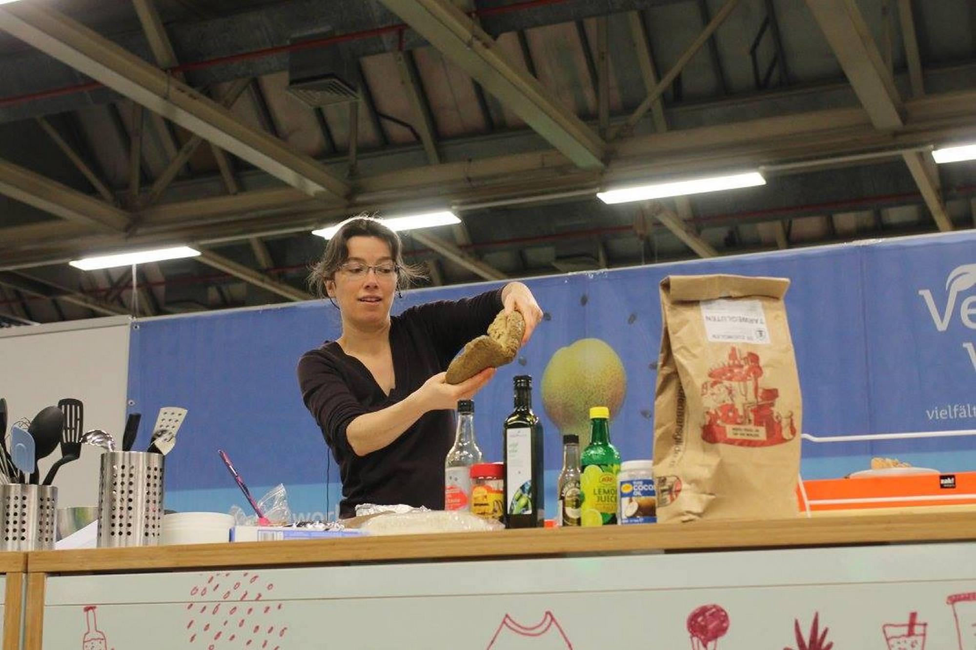 Seitan cooking demo (photo credit Dung Truong)